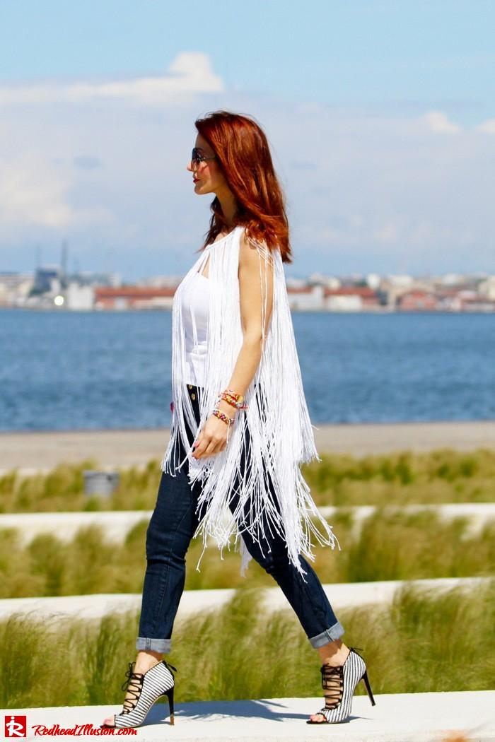 Redhead Illusion - The more the better - Fringed Cape-03