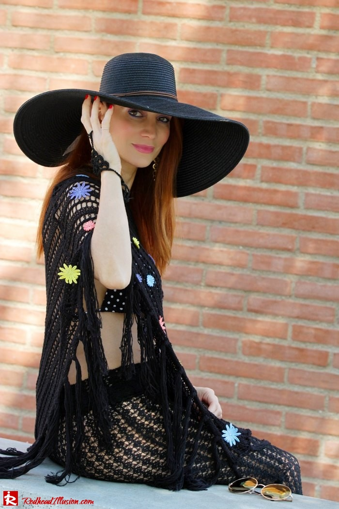 Redhead Illusion - Fashion Blog by Menia - Black Magic - Knitted Jumpsuit - Denny Rose Poncho-02
