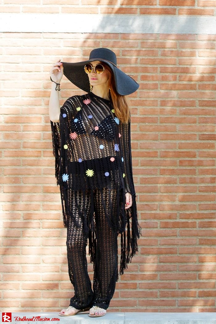 Redhead Illusion - Fashion Blog by Menia - Black Magic - Knitted Jumpsuit - Denny Rose Poncho-07