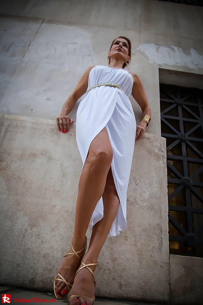 Redhead Iillusion - Fashion Blog by Menia - Grecian style - White Draped Dress-03