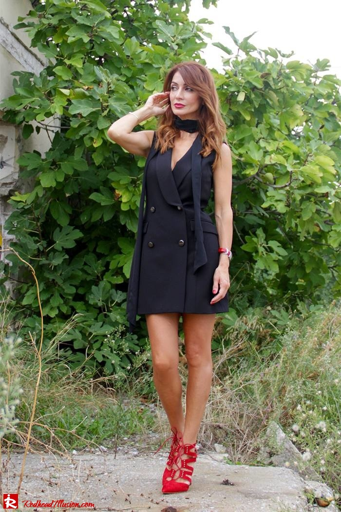 redhead-illusion-fashion-blog-by-menia-simply-black-access-dress-klink-trenchcoat-06