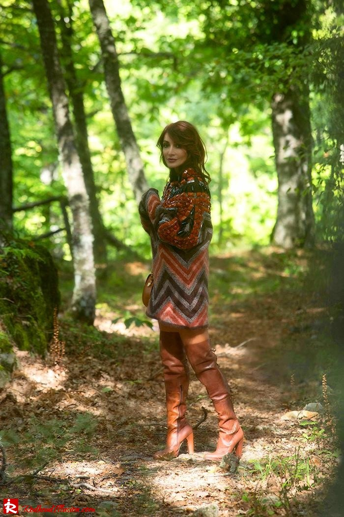 Redhead Illusion - Fashion Blog by Menia - Fall...ing in oversized knitted - H&M Dress - Ovye Boots-05