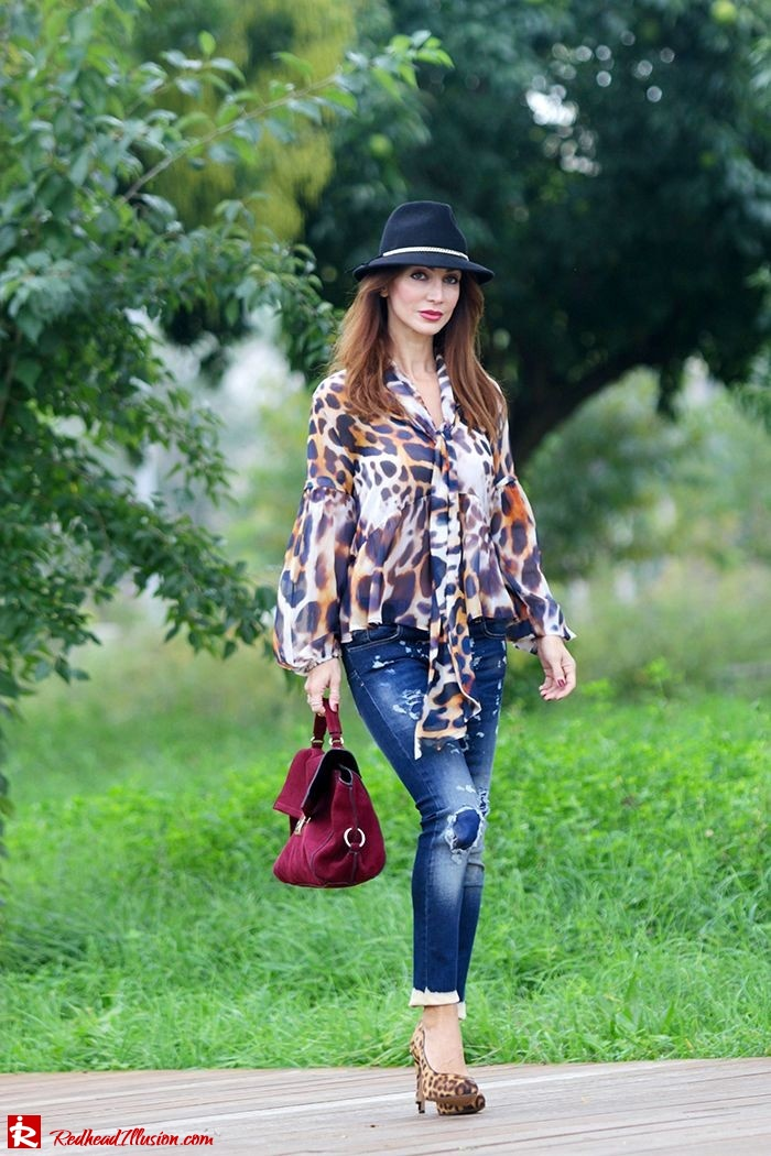Redhead Illusion - Fashion Blog by Menia - Wild thing - Denny Rose Shirt - Massimo Dutti Hat-03