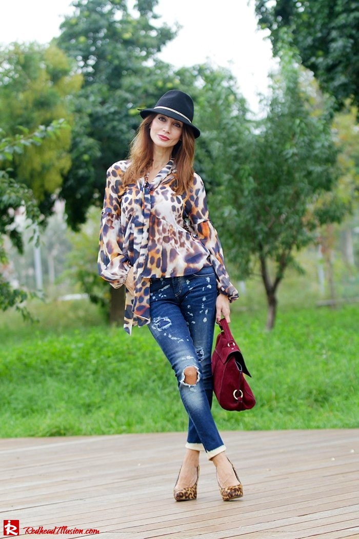 Redhead Illusion - Fashion Blog by Menia - Wild thing - Denny Rose Shirt - Massimo Dutti Hat-08