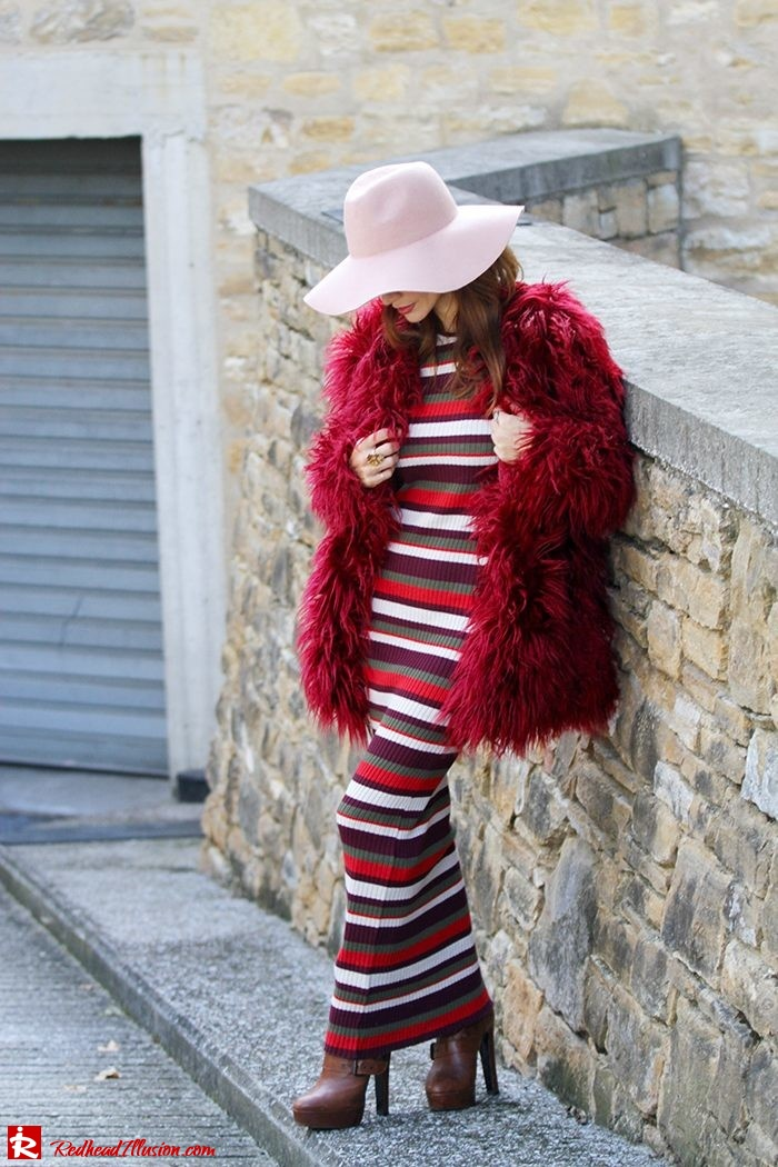 Redhead Illusion - Fashion Blog by Menia - Long 70's Story - Denny Rose Ribbed Striped Dress - Zara Hat-03