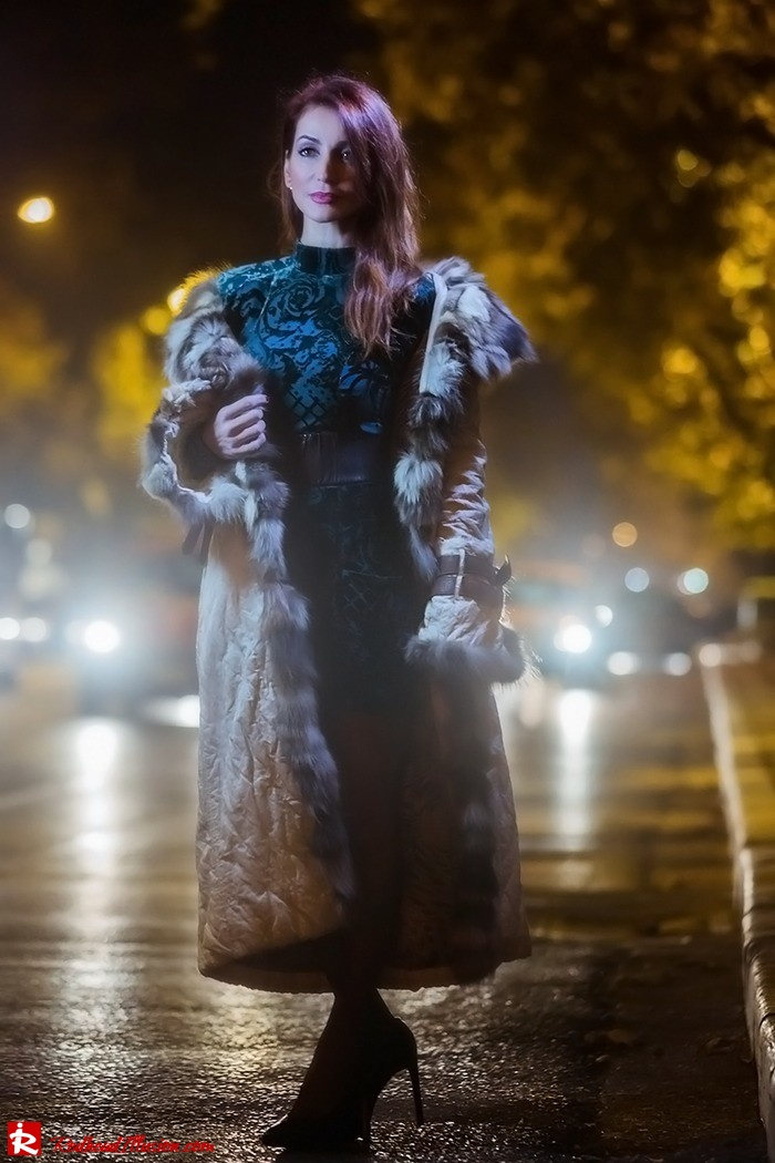 Redhead Illusion - Fashion blog by Menia - Christmas Night Vision - Balmain Dress-08