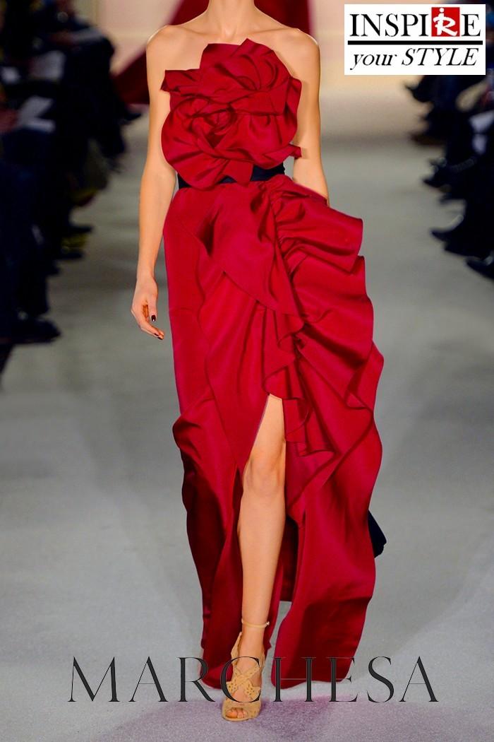 Εμπνευστείτε το στυλ σας – Ασύμμετρο κόκκινο μακρύ φόρεμα με βολάν!