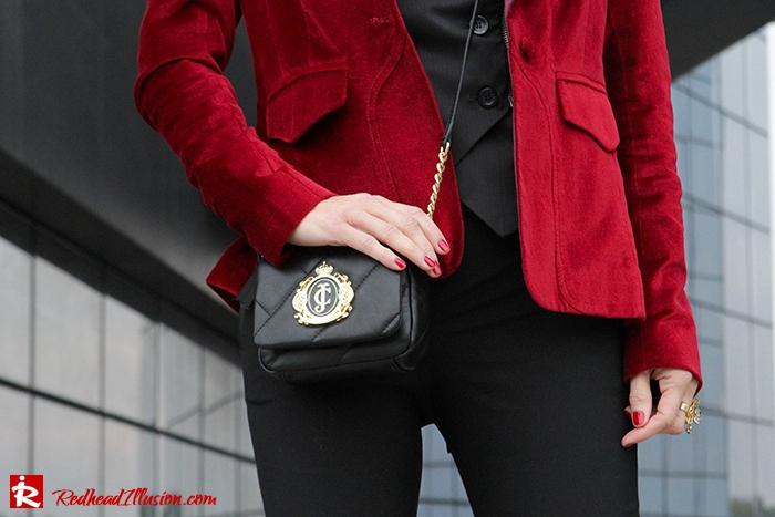 Redhead Illusion - Fashion Blog by Menia - Two of a kind - Zara Pants - Denny Rose Vest-02