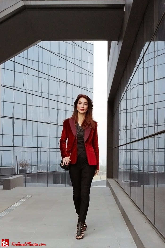 Redhead Illusion - Fashion Blog by Menia - Two of a kind - Zara Pants - Denny Rose Vest-03
