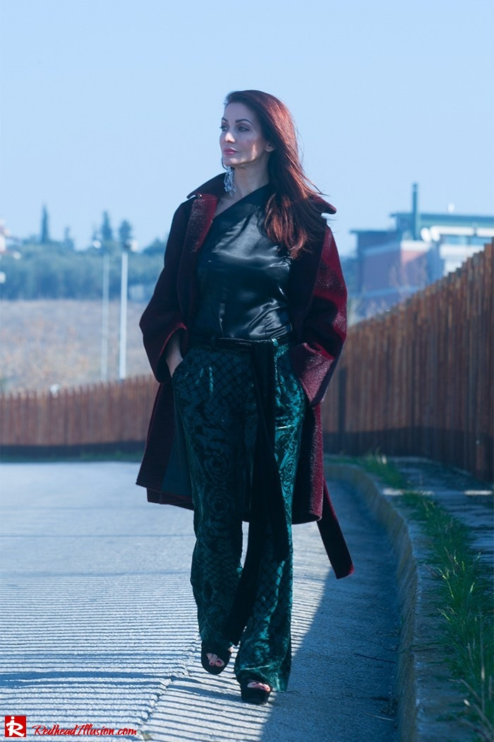 Redhead Illusion - Fashion Blog by Menia - Beauty of a naked arm - Balmain Trouser - One shoulder top-05