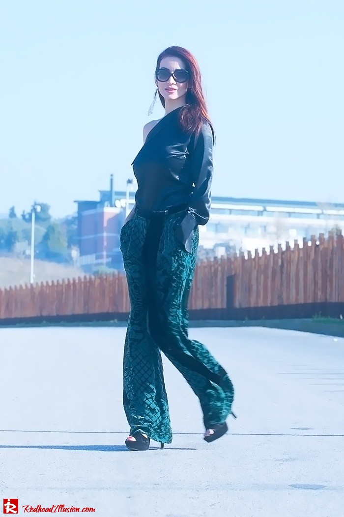 Redhead Illusion - Fashion Blog by Menia - Beauty of a naked arm - Balmain Trouser - One shoulder top-09