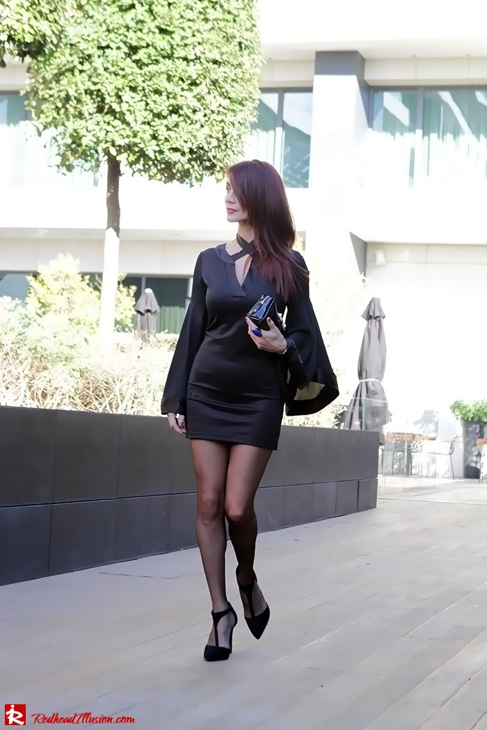 Redhead Illusion - Fashion Blog by Menia - Bell Sleeve Dress - Yoins LBD Mini Black Dress-03