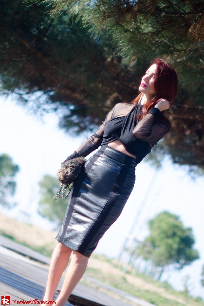 Redhead Illusion - Fashion Blog by Menia - A cropped... day - Yoins Top - Zini Skirt - Boss Coat-06