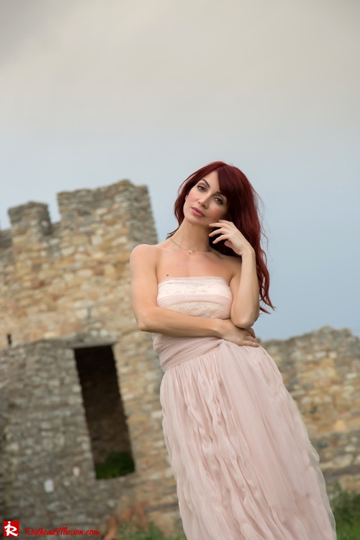 Redhead Illusion - Fashion Blog by Menia - Ethereal Skirt - Lace Top