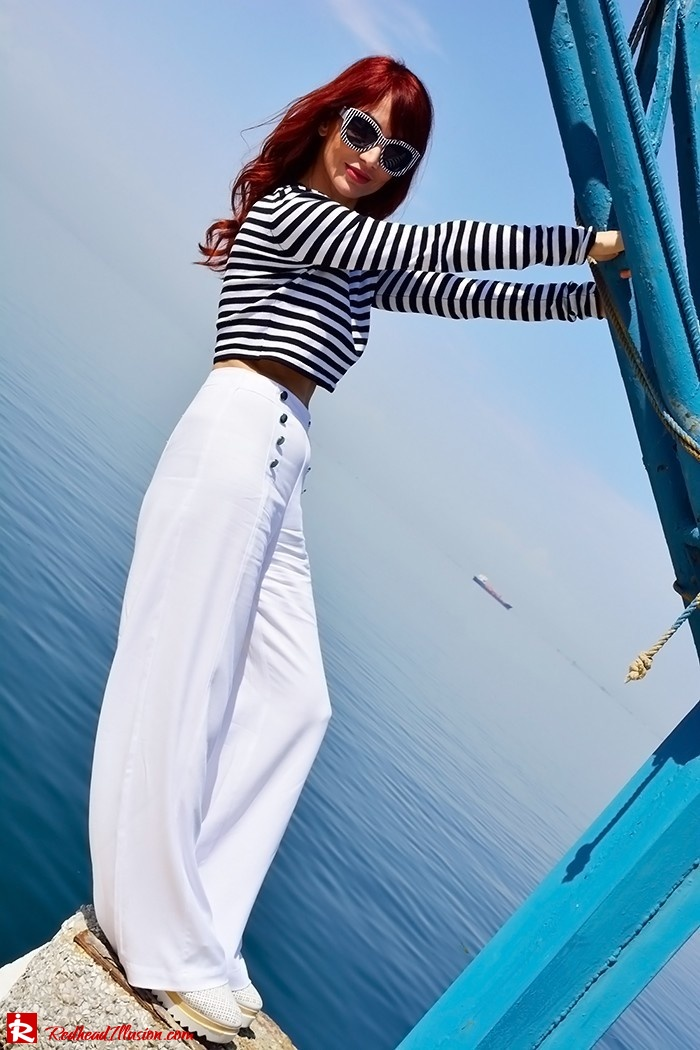 Redhead Illusion - Fashion Blog by Menia - Sail Away - Top Zara - Flatforms - Navy Style-02
