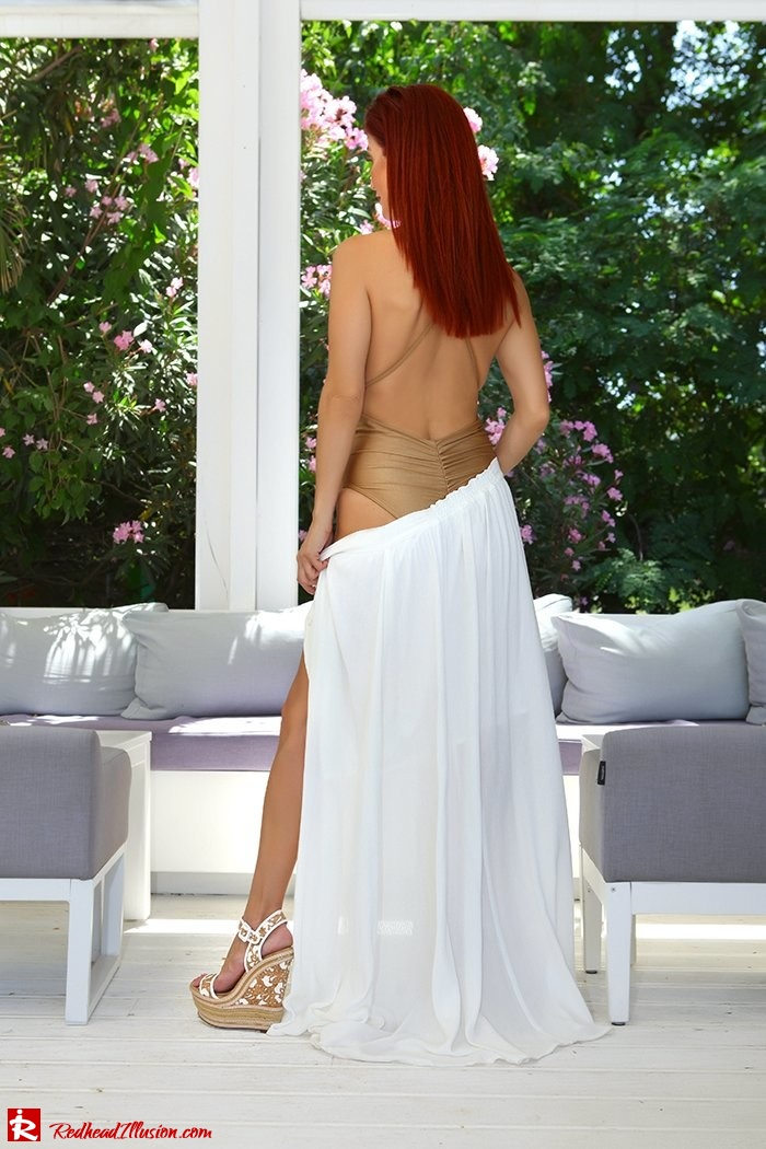 Redhead Illusion - Fashion Blog by Menia - A trip to white - Access Skirt - Jessica Simpson Wedges-08