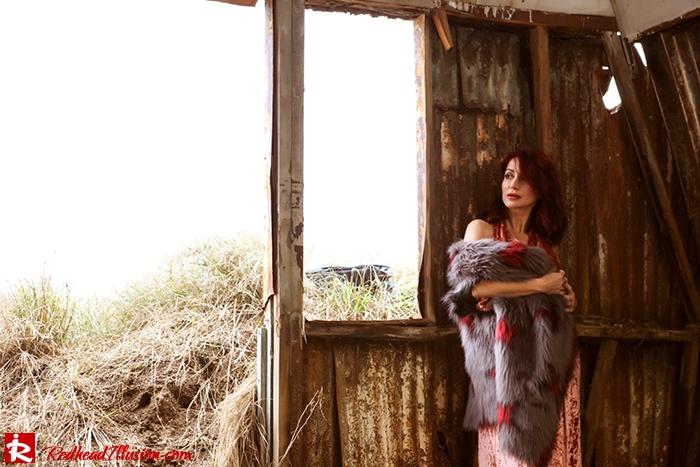Redhead Illusion - Fashion Blog by Menia - So old so new - Missguided Dress-14