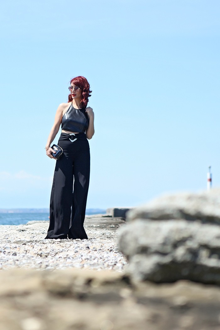 Redhead Illusion - Fashion Blog by Menia - Total Black is never boring - Zara Pants - Ted Baker Bag-11