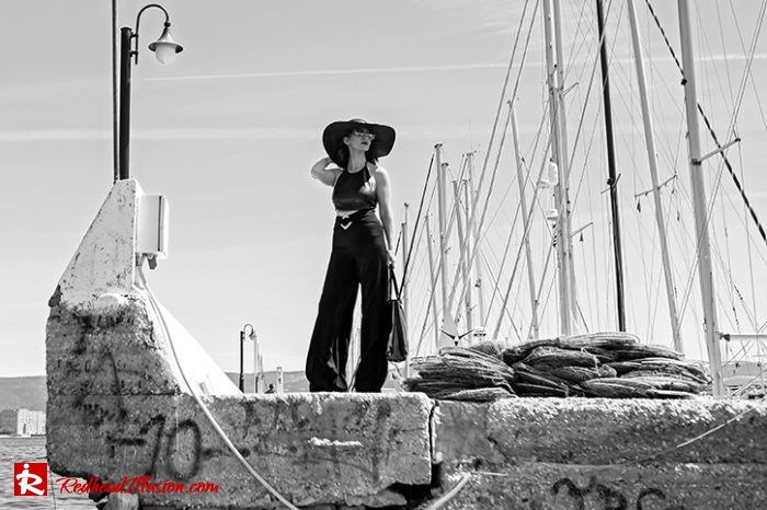 Redhead Illusion - Fashion Blog by Menia - Editorial - City - Total Black-04