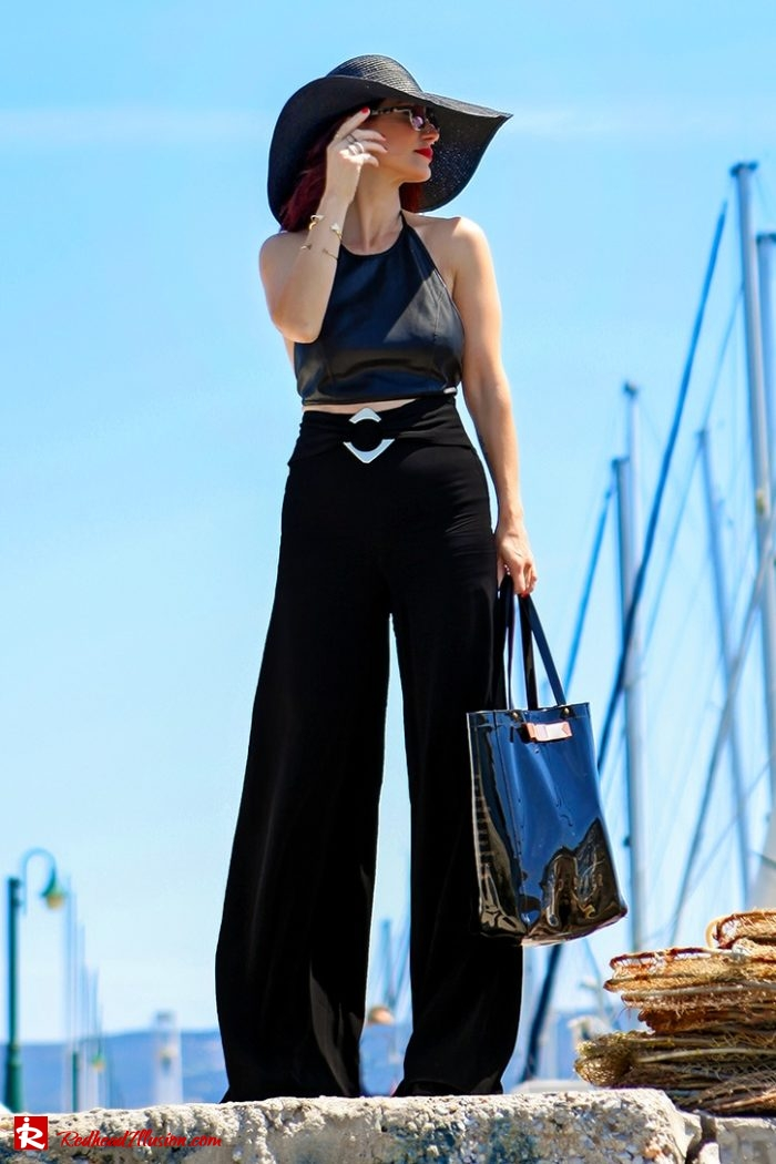 Redhead Illusion - Fashion Blog by Menia - Editorial - City - Total Black-05