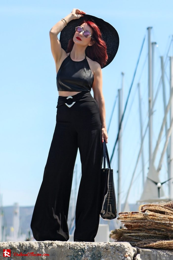 Redhead Illusion - Fashion Blog by Menia - Editorial - City - Total Black-07