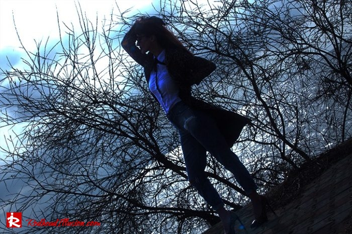 Redhead Illusion - Fashion Blog by Menia - Editorial - Destroyed Jeans - Abercrombie and Fitch-05