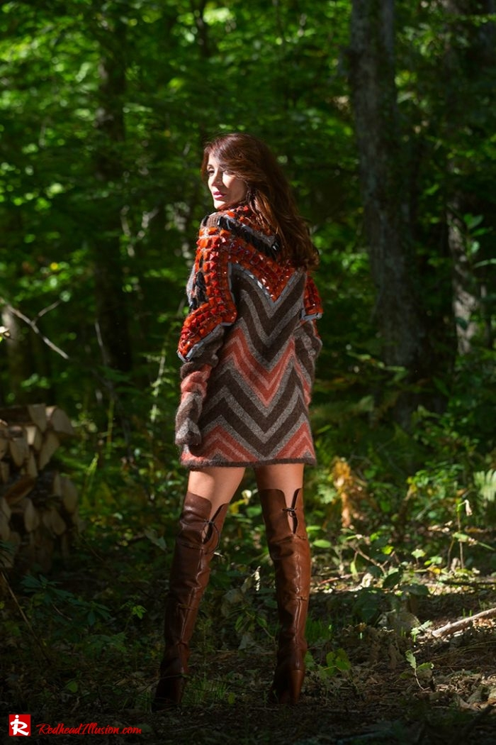 Redhead Illusion - Fashion Blog by Menia - Editorial - Falling in oversized knitted - H&M Dress - Ovye Boots-09