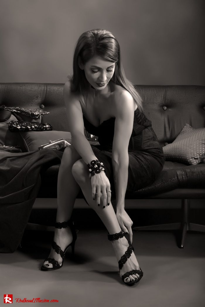Redhead Illusion - Fashion Blog by Menia - Editorial - Festive Nights #1 - Karen Millen Dress-06