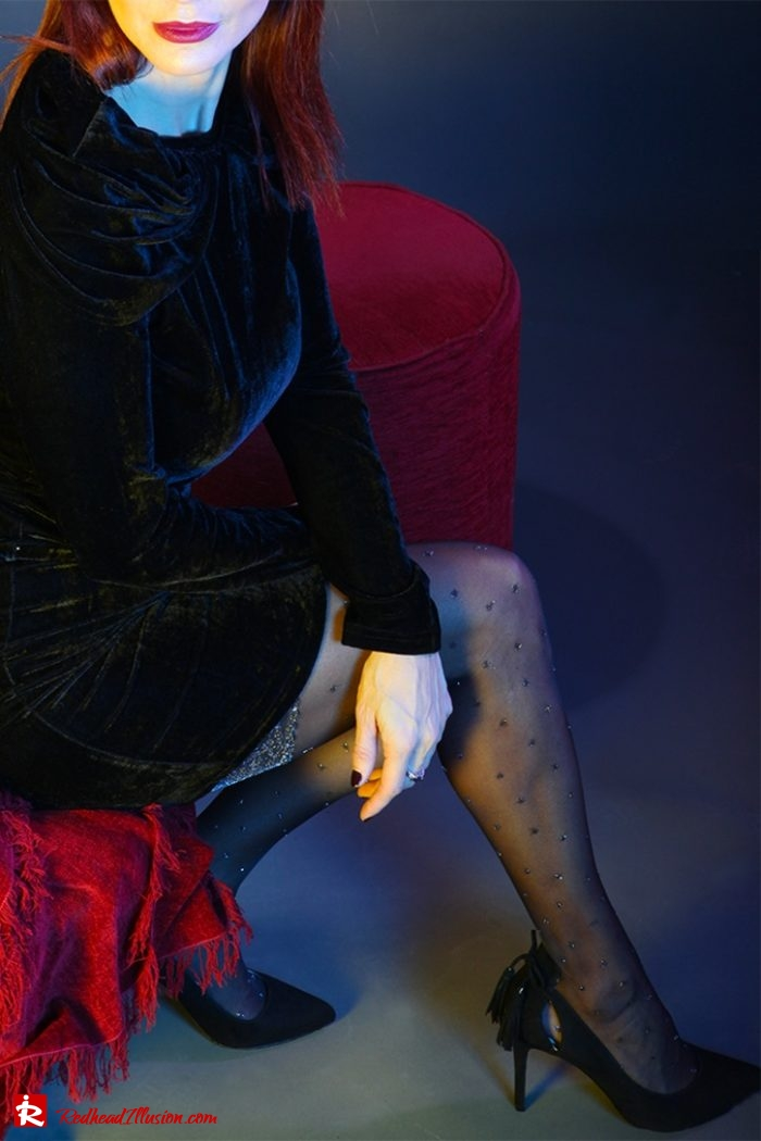 Redhead Illusion - Fashion Blog by Menia - Editorial - Festive Nights #2 - Velvet Dress-04