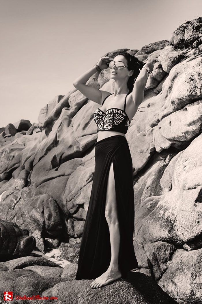 Redhead Illusion - Fashion Blog by Menia - Editorial - On the rocks - Peter Pilotto Bikini Top-02