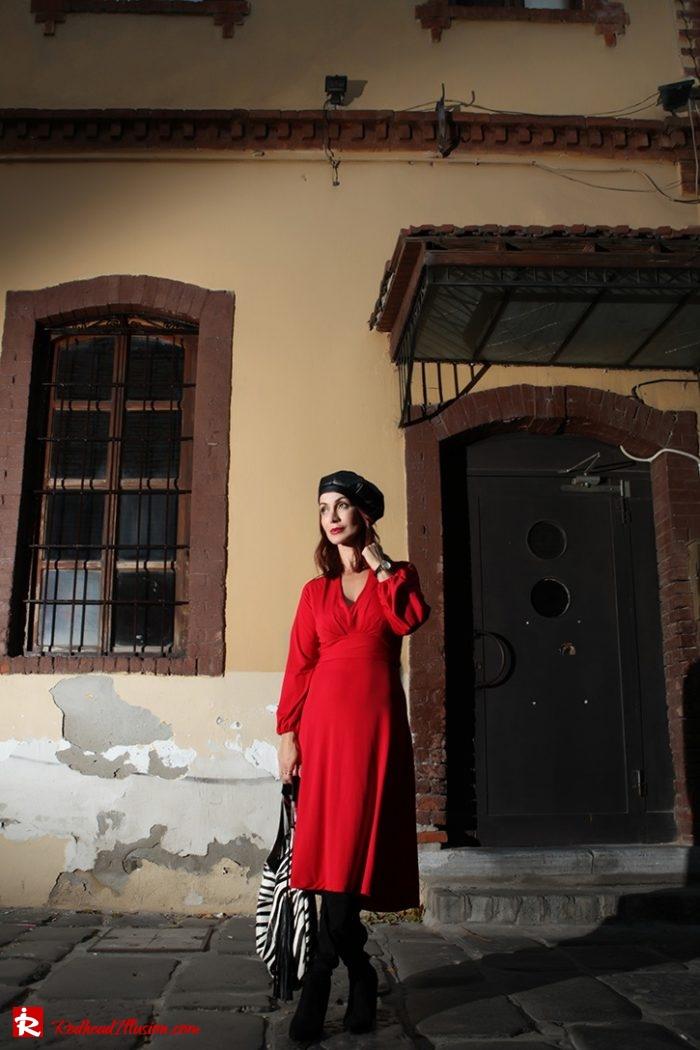 Redhead Illusion - Fashion Blog by Menia - Rouge et Noir - Dress - Otk Boots-03