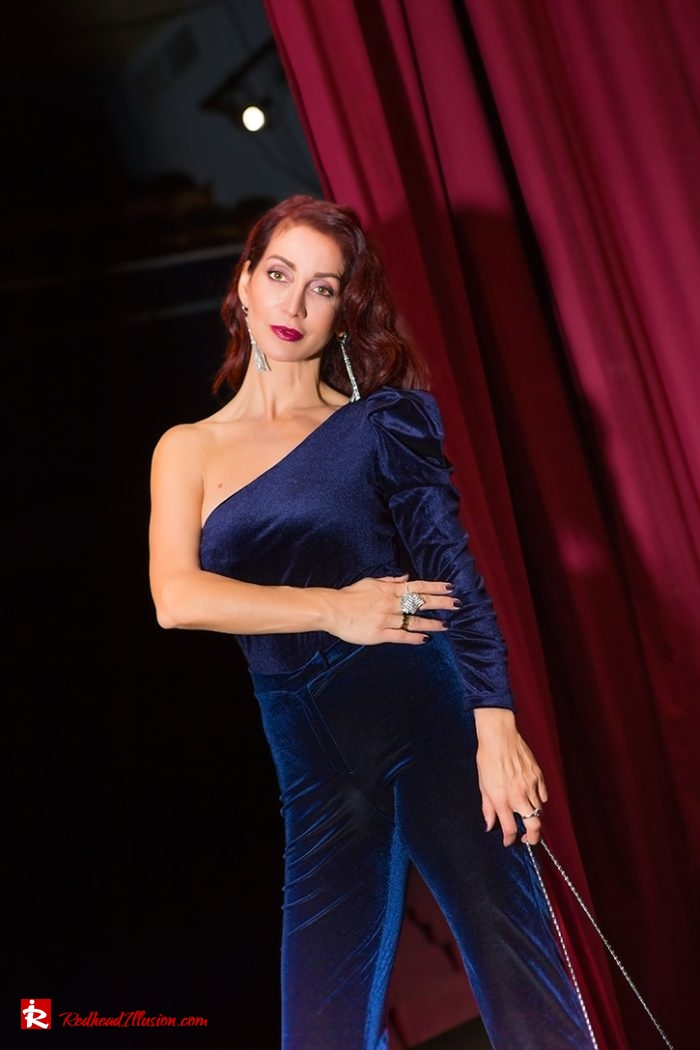 Redhead Illusion - Fashion Blog by Menia - Nights in Blue Velvet-05