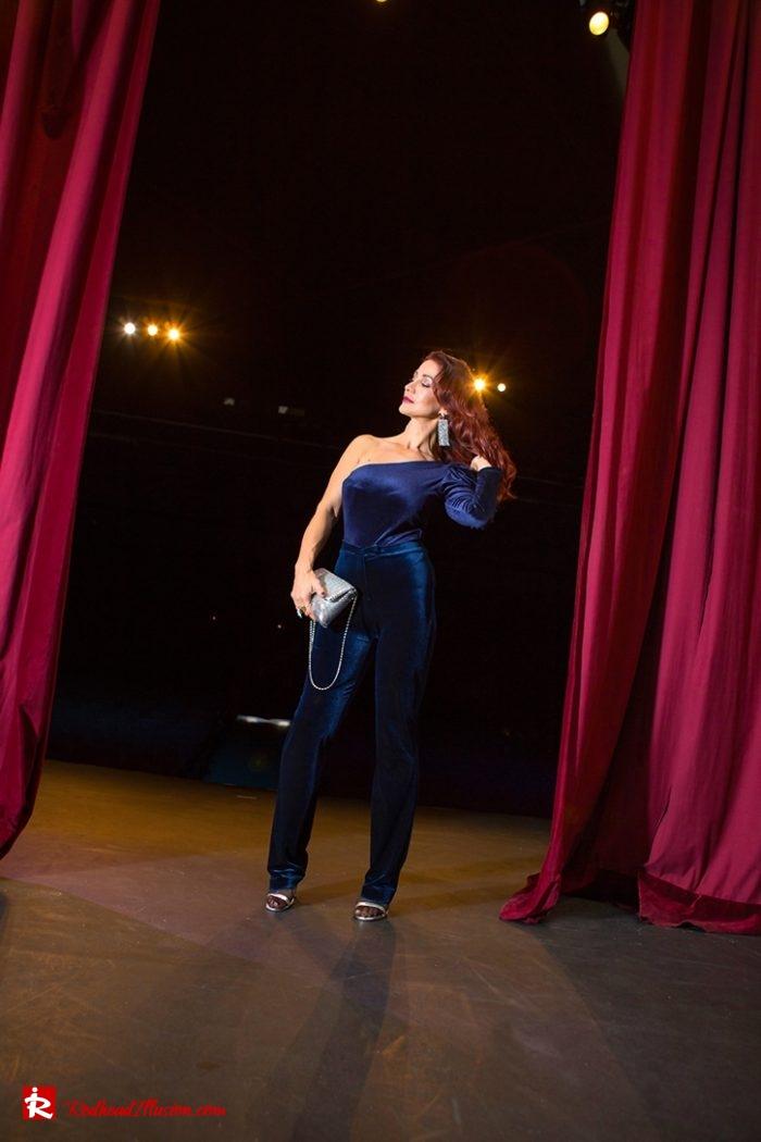 Redhead Illusion - Fashion Blog by Menia - Nights in Blue Velvet-07