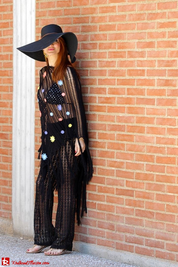 Redhead Illusion - Fashion Blog by Menia - Black Magic - Knitted Jumpsuit - Denny Rose Poncho-04