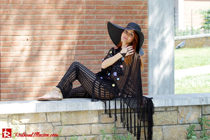 Redhead Illusion - Fashion Blog by Menia - Black Magic - Knitted Jumpsuit - Denny Rose Poncho-06