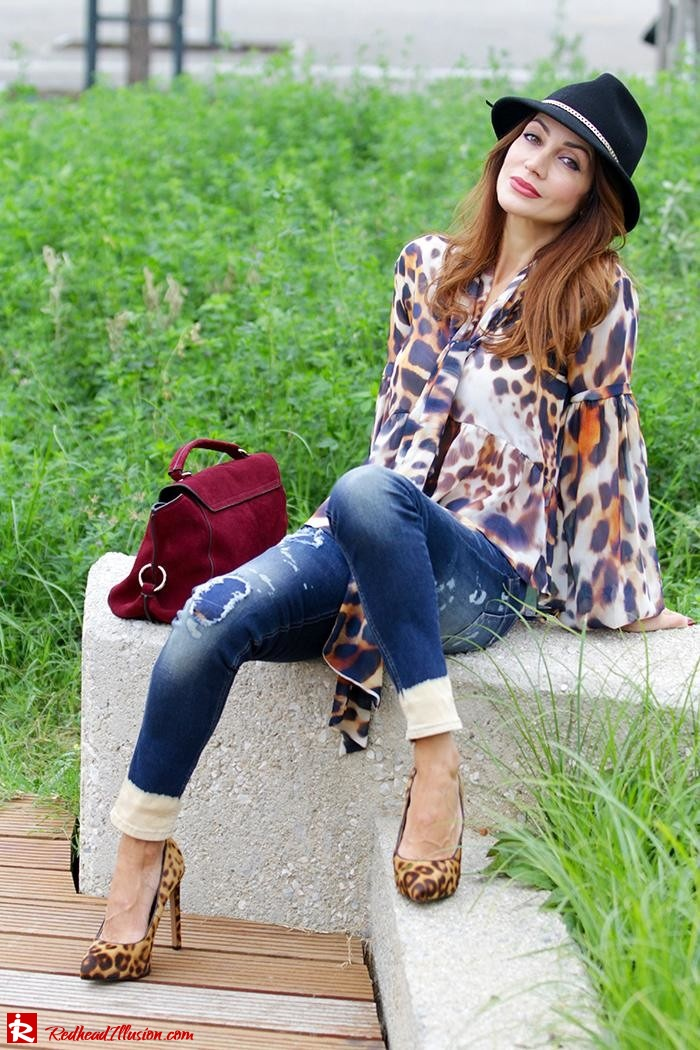 Redhead Illusion - Fashion Blog by Menia - Wild thing - Denny Rose Shirt - Massimo Dutti Hat-05