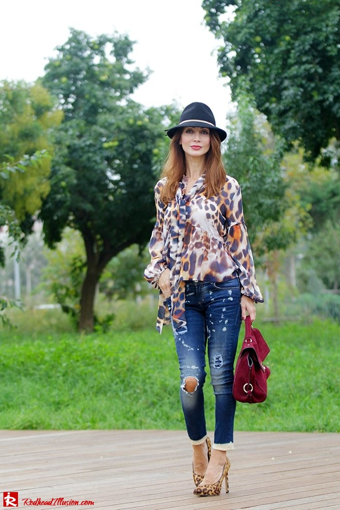Redhead Illusion - Fashion Blog by Menia - Wild thing - Denny Rose Shirt - Massimo Dutti Hat-09