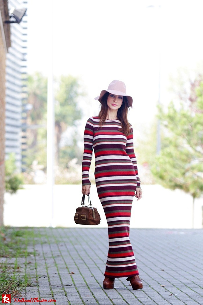 Redhead Illusion - Fashion Blog by Menia - Long 70's Story - Denny Rose Ribbed Striped Dress - Zara Hat-09