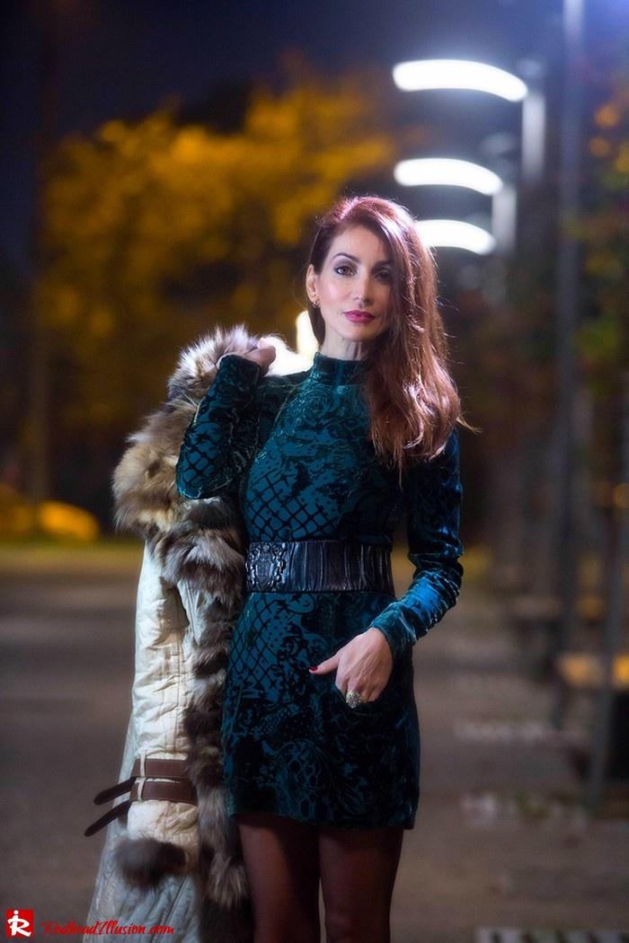 Redhead Illusion - Fashion blog by Menia - Christmas Night Vision - Balmain Dress-05