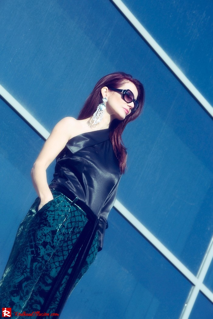 Redhead Illusion - Fashion Blog by Menia - Beauty of a naked arm - Balmain Trouser - One shoulder top-12