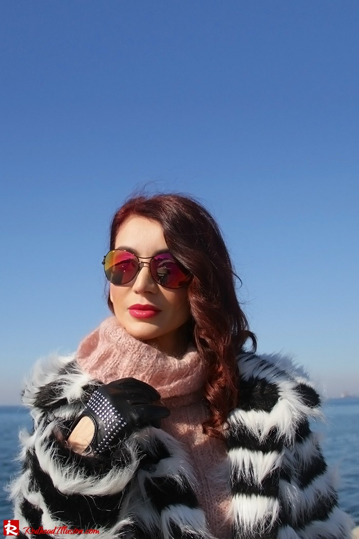 Redhead Illusion - Fashion Blog by Menia - Walk along the waterfront - ( OTK ) Over the knee Boots-08