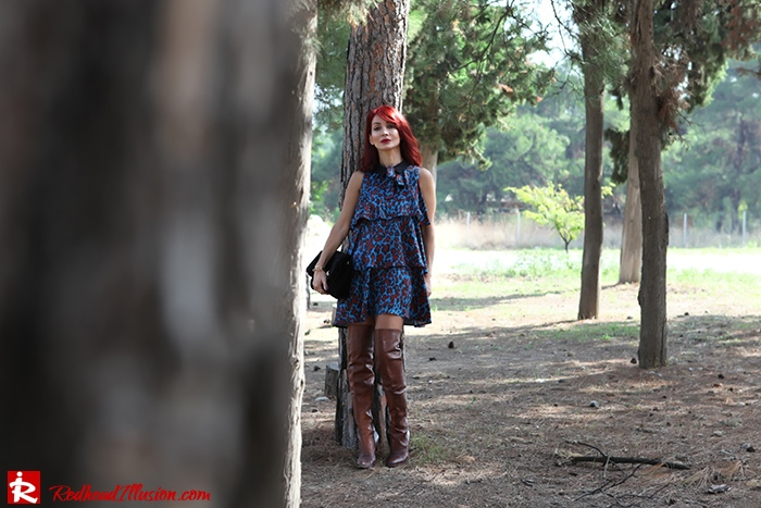 Redhead Illusion - Fashion Blog by Menia - Fall in Ruffles - Denny Rose Dress - Zara Bag - Over the knee Boots-02