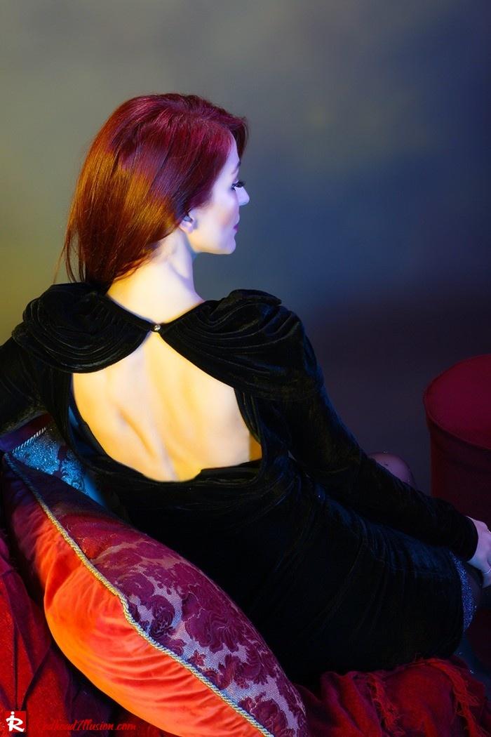 Redhead Illusion - Fashion Blog by Menia - Festive Nights-2 - Velvet Dress-05