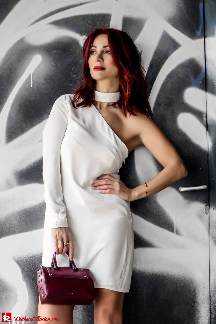 Redhead Illusion - Fashion Blog by Menia - Lately - March 2017 - 01 - Mini Winter White - Missguided Dress