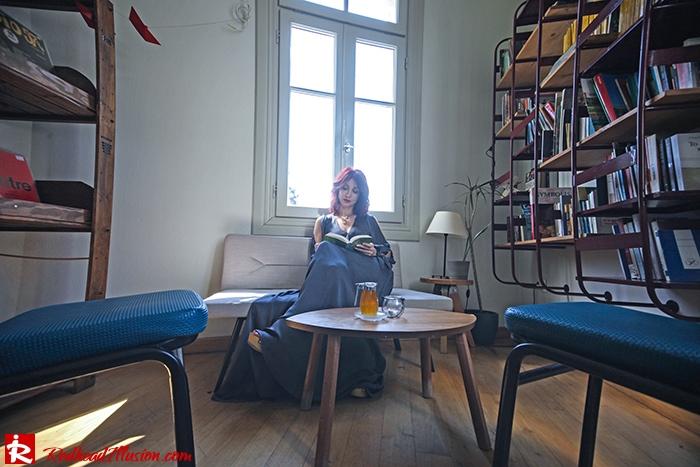 Redhead Illusion - Fashion Blog by Menia - A sense of relaxation - Lulus Maxi Dress-04