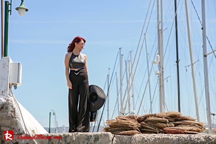 Redhead Illusion - Fashion Blog by Menia - Editorial - City - Total Black-06