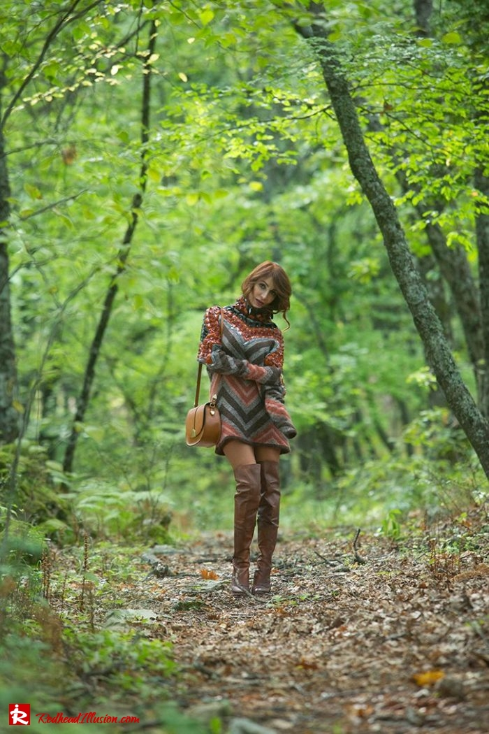 Redhead Illusion - Fashion Blog by Menia - Editorial - Falling in oversized knitted - H&M Dress - Ovye Boots-03