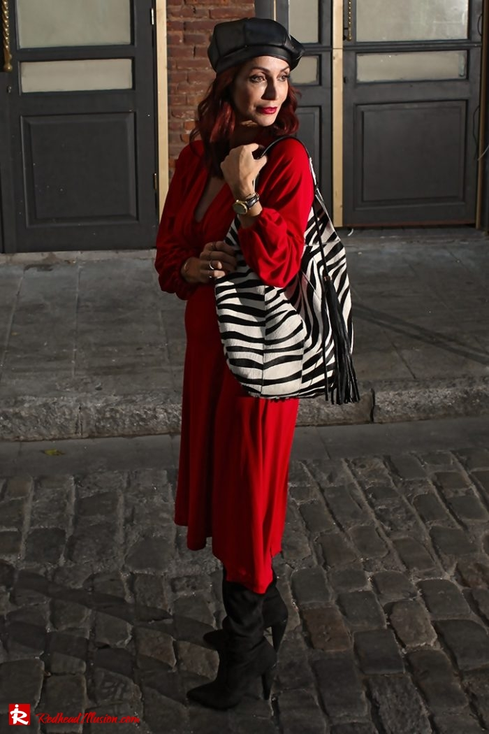 Redhead Illusion - Fashion Blog by Menia - Editorial - Rouge et noir - Dress - OTK Boots-06