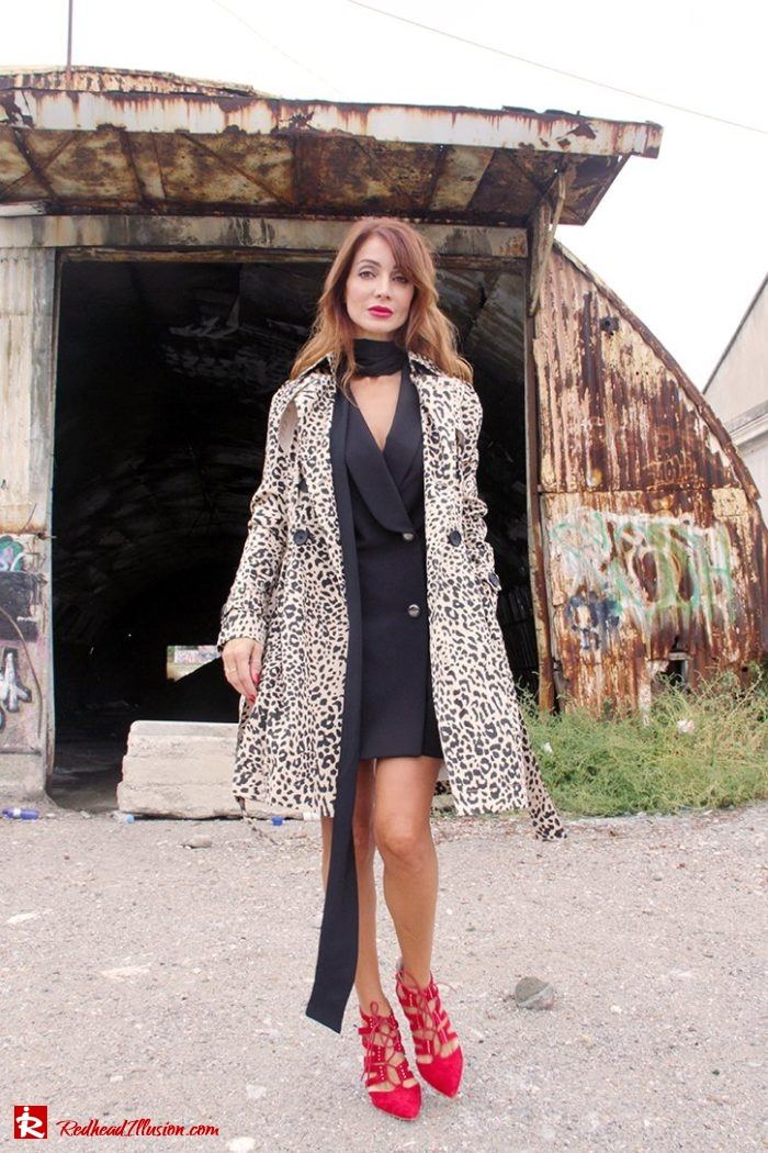 Redhead Illusion - Fashion Blog by Menia - Editorial - Simply Black - Access Dress - Klink Trenchcoat-07