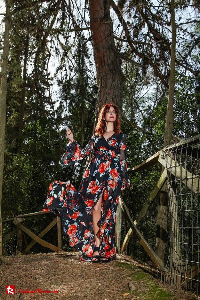 Redhead Illusion - Fashion Blog by Menia - Lost in the forest - Lulus dress-03